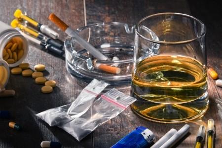 алкоголь и наркомания